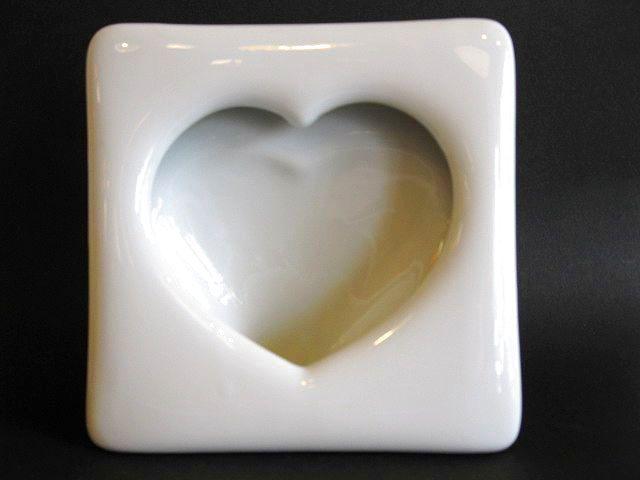 画像1: 写真立て◇陶磁器◇ハート◇ホワイト