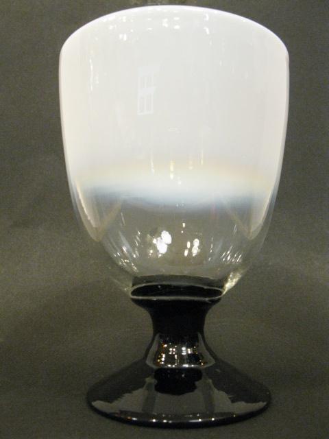 画像2: 氷コップ◇乳白◇グラデーション◇黒足◇吹きガラス◇なつめ型